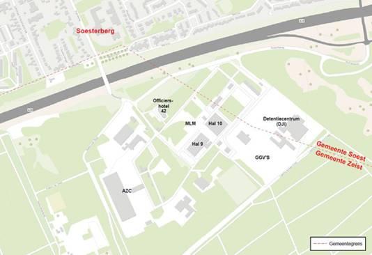 Kaart van het militaire terrein Kamp van Zeist. Links het azc. In Hal 9 en Hal 10 van het voormalige MLM (luchtvaartmuseum) bevond zich de noodopvang. Het Detentiecentrum Zeist ligt grotendeels op Soester grondgebied.
