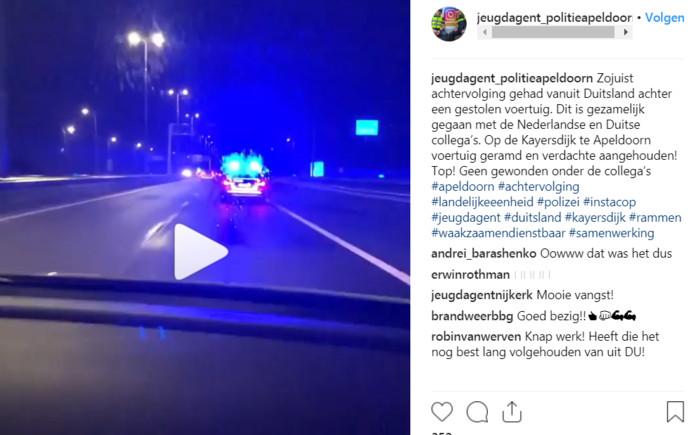 Screenshot van de achtervolging die 'jeugdagent_politieapeldoorn' op het gelijknamige instagram-account postte, maandagochtend vroeg.