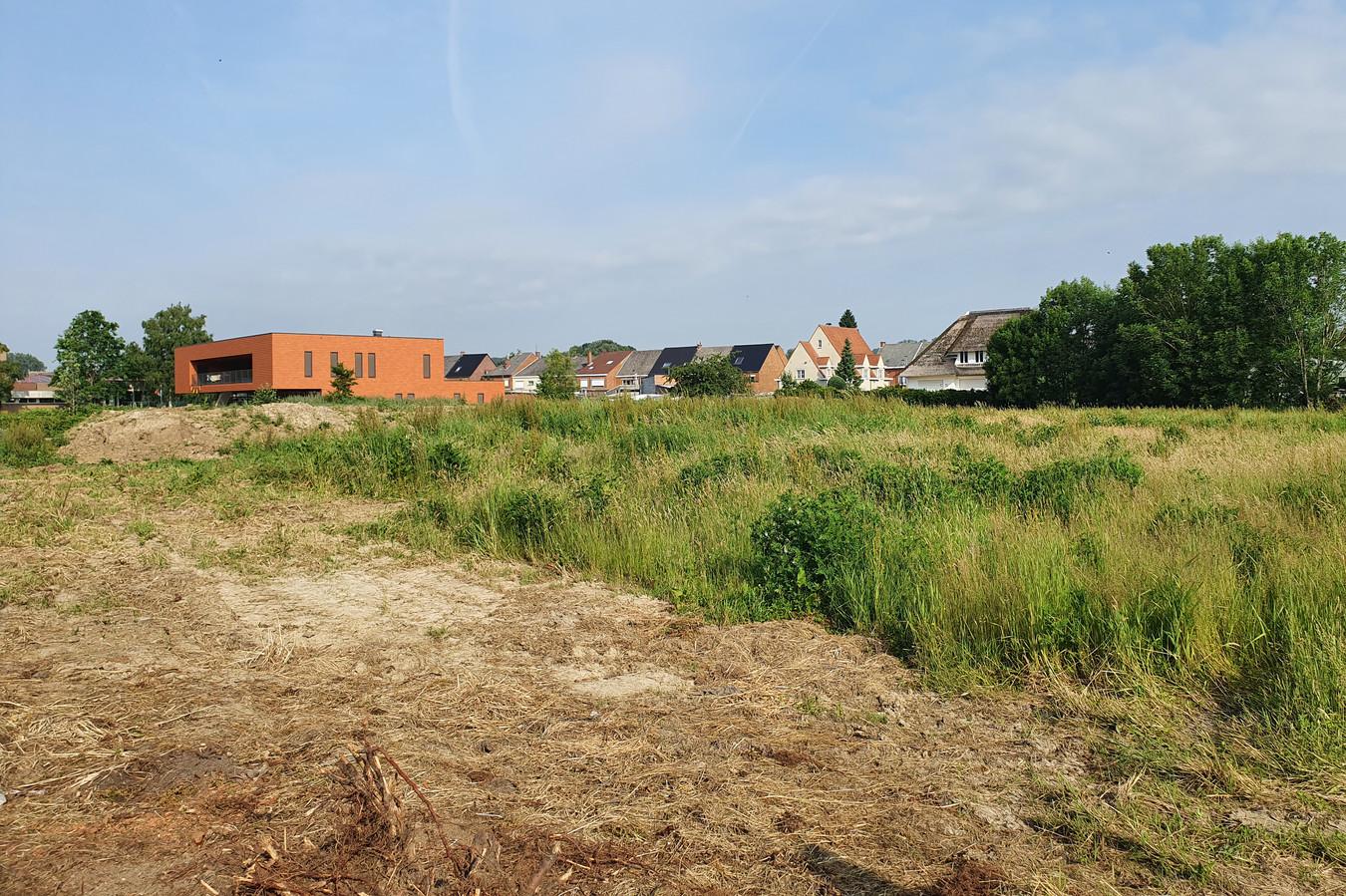 Het skatepark komt op dit terrein tussen de Tirse en de Driehoekstraat.