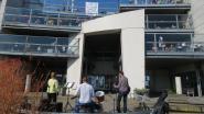Medewerkers geven openlucht optreden voor rusthuisbewoners