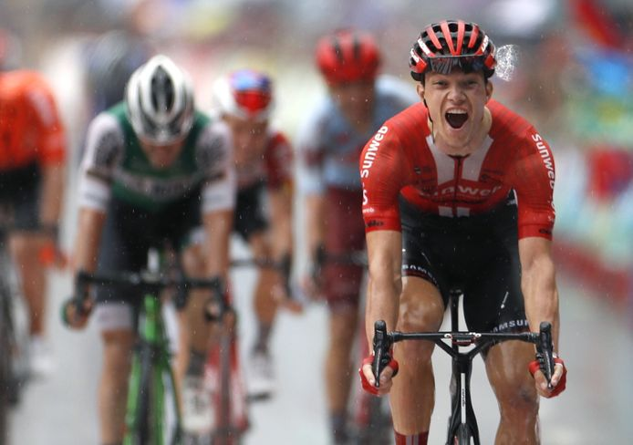 Nikias Arndt bezorgde Sunweb een prachtige etappeoverwinnig.