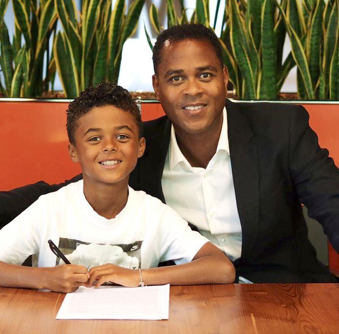 Shane Kluivert, de zoon van Patrick Kluivert tekent een contract met Nike