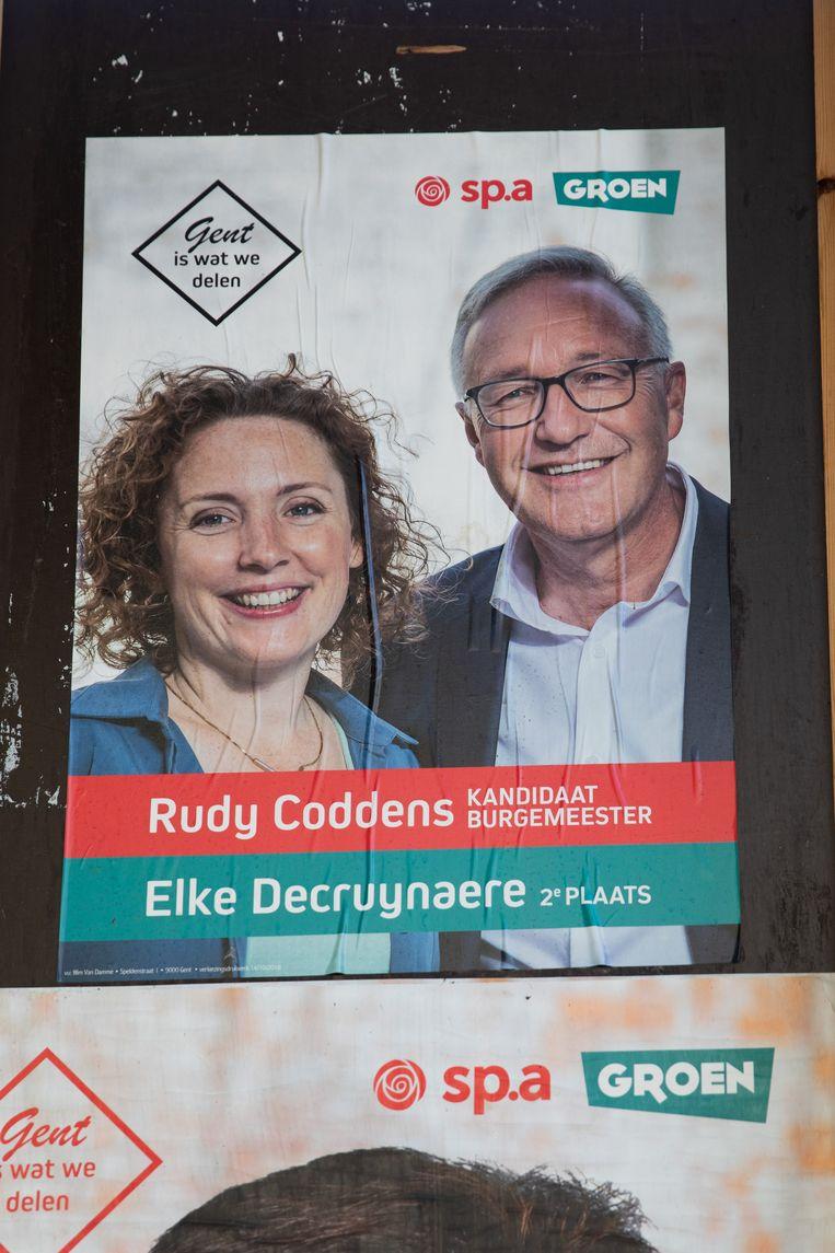 De affiche van Rudy Coddens en zijn groene kartelpartner Elke Decruynaere