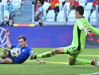 """Italiaanse pers: """"Courtois bevestigt dat hij beste keeper ter wereld is"""" - """"Gelukkig is België geen Spanje en viel De Bruyne slechts in"""""""