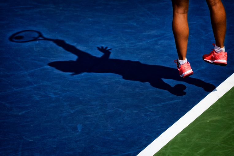 Illustration picture shows the shadow of Belgian Kirsten Flipkens during a tennis match between Belgian Kirsten Flipkens (WTA 57) and American CoCo Vandeweghe (WTA 25), in the first round of the women's singles at the 118th US Open Grand Slam tennis tournament, at Flushing Meadow, in New York City, USA, Tuesday 28 August 2018. BELGA PHOTO YORICK JANSENS Beeld BELGA