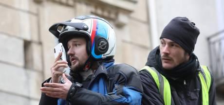 Le journaliste Remy Buisine interpellé pendant une manifestation à Paris