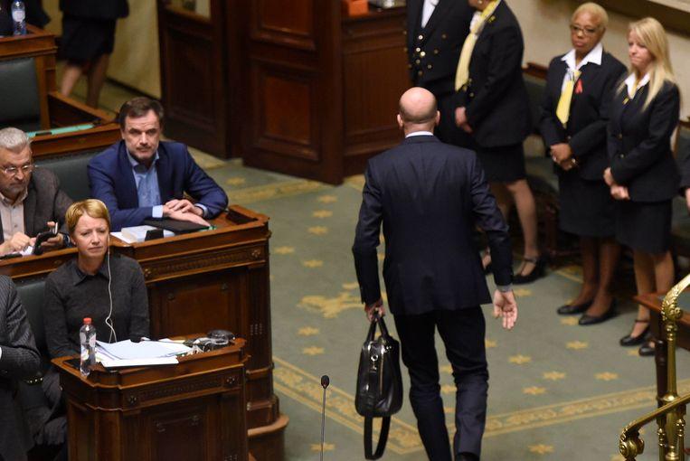 Premier Michel kondigde dinsdagavond aan dat hij naar de koning zou trekken om hem het ontslag van zijn regering aan te bieden.