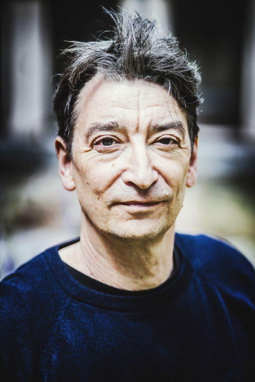 Luk Van Haute: 'Pas als in de Engelstalige media een Japanse auteur wordt gehypet, rinkelt bij uitgeverijen hier een belletje.' Beeld ID/Stefaan Temmerman