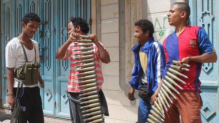 Jemenitische strijders tegen de Houthi-rebellen in de havenstad Aden Beeld afp