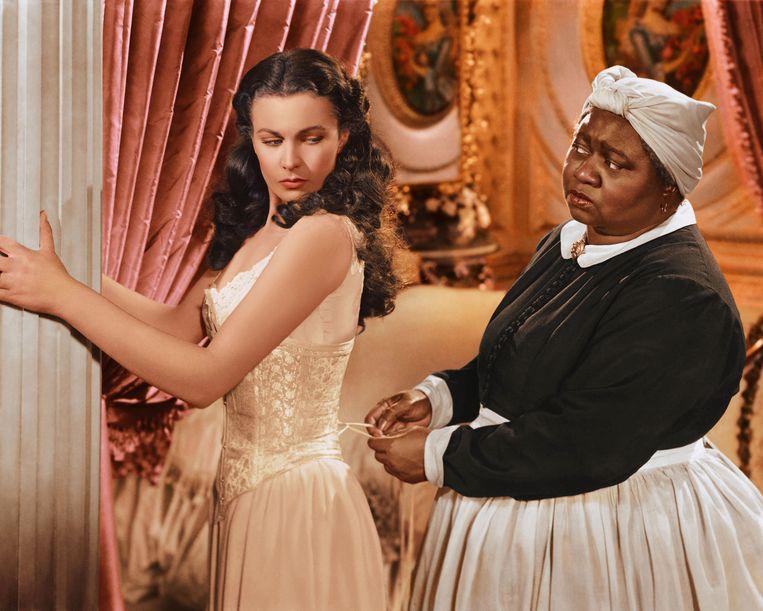 Vivien Leigh (l) en Hattie McDaniel wonnen beiden een Oscar voor hun rol in 'Gone with the Wind'. Beeld