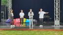Boyband FOURCE treedt op in het vernieuwde openlucht theater Vrouwenhof in Roosendaal. Vlnr: Max, Jannes, Niels en Ian.