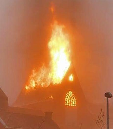 """Un grave incendie fait rage dans un monastère à Heule: """"Les 21 sœurs ont été évacuées"""""""