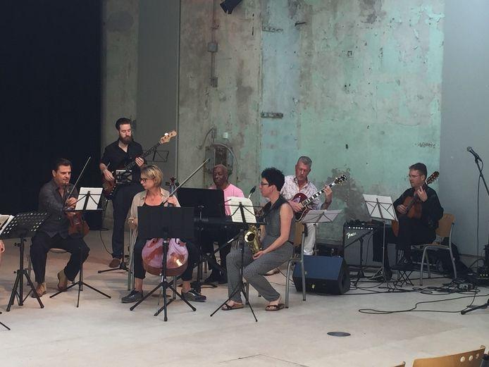Het Kec-lerarenorkest dat op de Uitmarkt in Culemborg zou optreden.