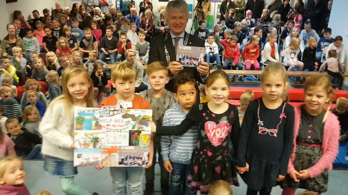 Kinderen brengen verhalenboek uit voor Serious Request
