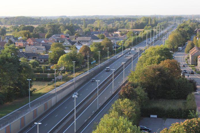 Een 43-jarige vrouw uit Oudenaarde is geflitst toen ze met een snelheid van 143 kilometer per over over de N44 in Aalter scheurde