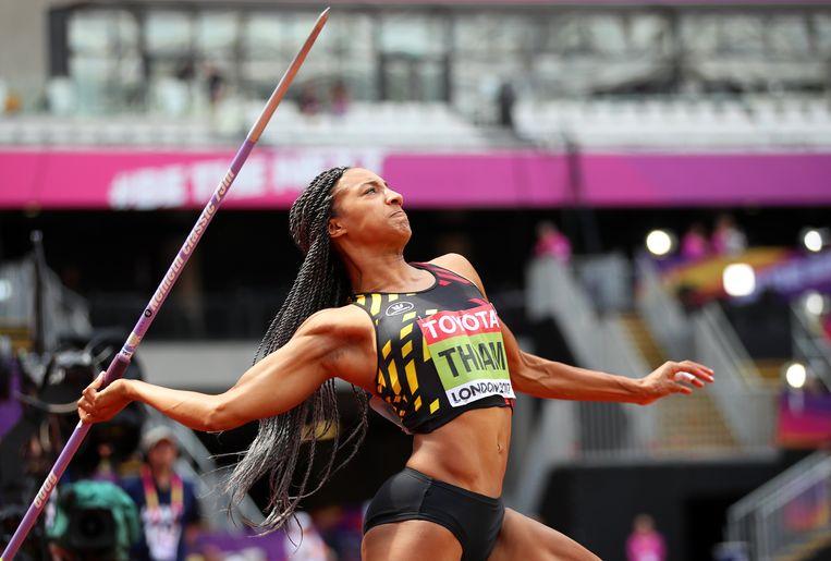 Nafi Thiam werpt de speer naar 53.93 meter. In de krachtnummers kent ze haar gelijke niet. Beeld EPA