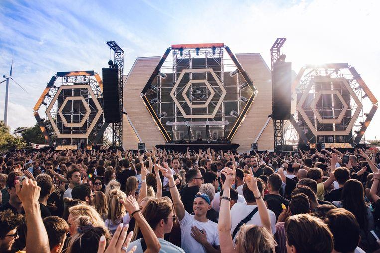 Het Straf_Werk Festival van 2019 in het Havenpark Amsterdam. Beeld Kirsten van Santen