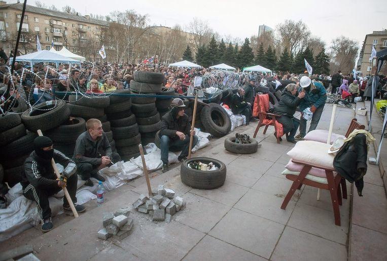 Barricades in Donetsk. Beeld EPA