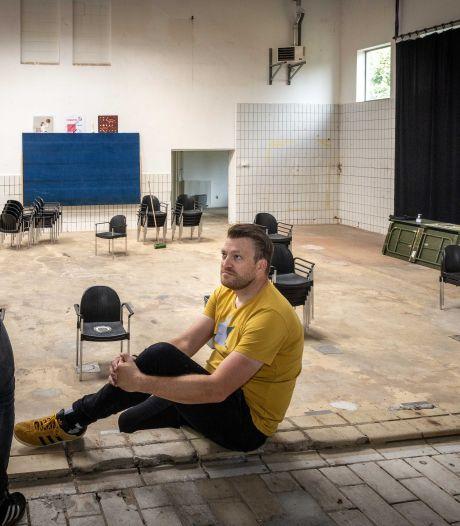 Bort en Janneke serveren in Kolderveen muziek en vegamaaltijden in oude kaashal
