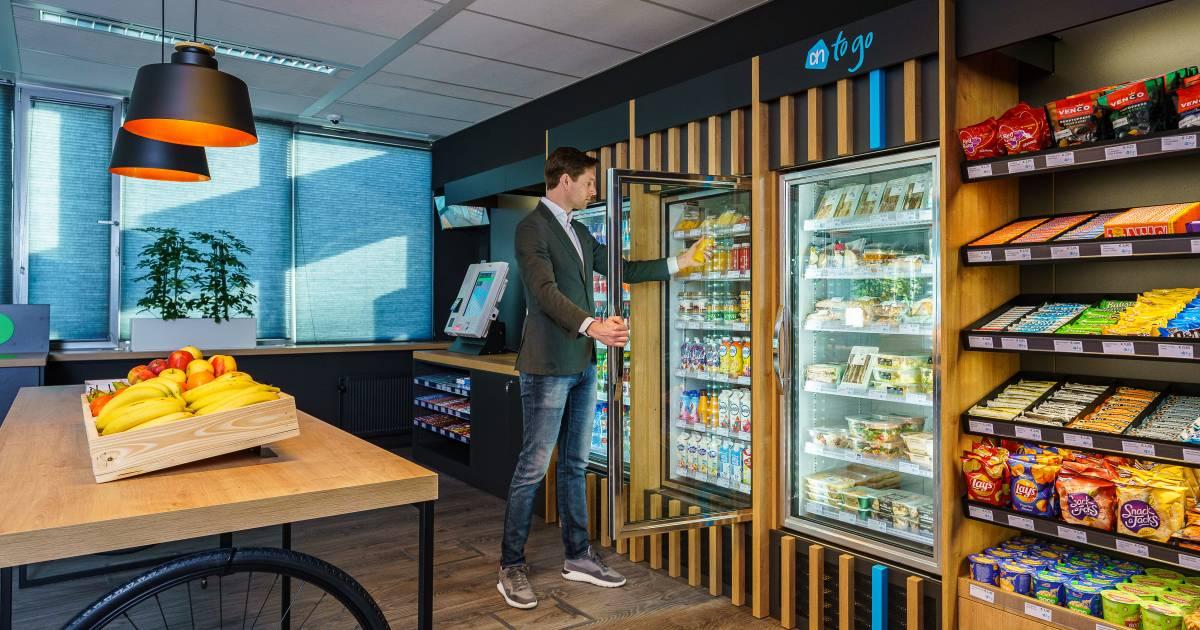 Eerste onbemande Albert Heijn'tje geopend in bedrijfskantine van kantoor - AD.nl