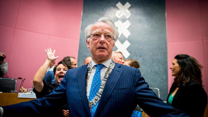 Van Aartsen installeerde twee weken geleden de acht nieuwe wethouders.