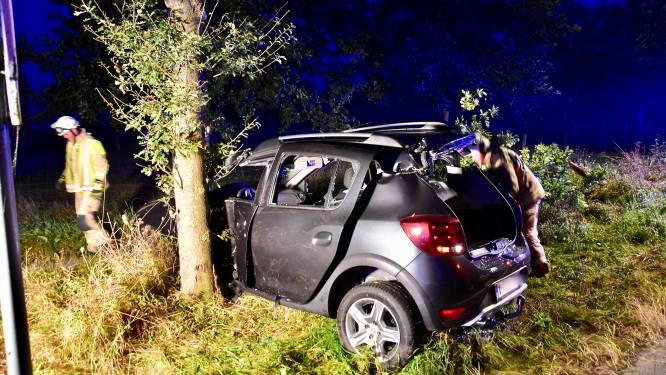 72-jarige man zwaargewond na stevige klap tegen boom in Geluwe