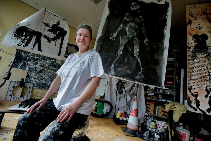 Anne van Dalen leeft van een basisinkomen in Zwijndrecht.