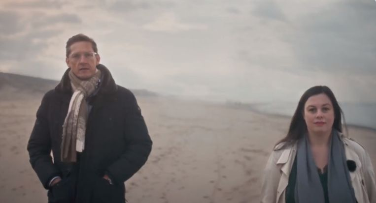 Still uit de video waarin Joost Eerdmans en Annabel Nanninga op sociale media aankondigden een eigen partij te overwegen. Beeld Twitter Annabel Nanninga