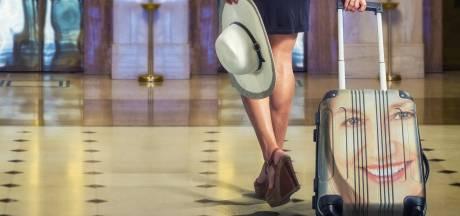 Vrouw gaat viral met deze bizarre koffer