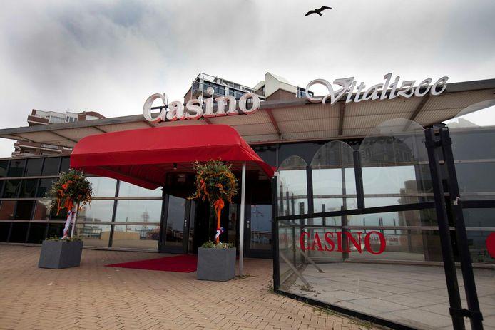 De gevel van het Vitalizee-gebouw. Nu is er een casino gevestigd. Vroeger was het een golfslagbad en sauna.