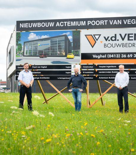 Studenten techniek aan de slag in nieuw Edulab in Veghel: 'Een jongen bouwde een pannenkoekenbakmachine'