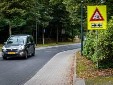 Verkeersproblemen in Sonse Hendrik Veenemanstraat:  'Vrachtverkeer maakt ons 's ochtends om 6 uur al wakker'