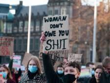 Honderden activisten vragen aandacht voor straatintimidatie: 'Een groep jongens riep: laat je billen zien'