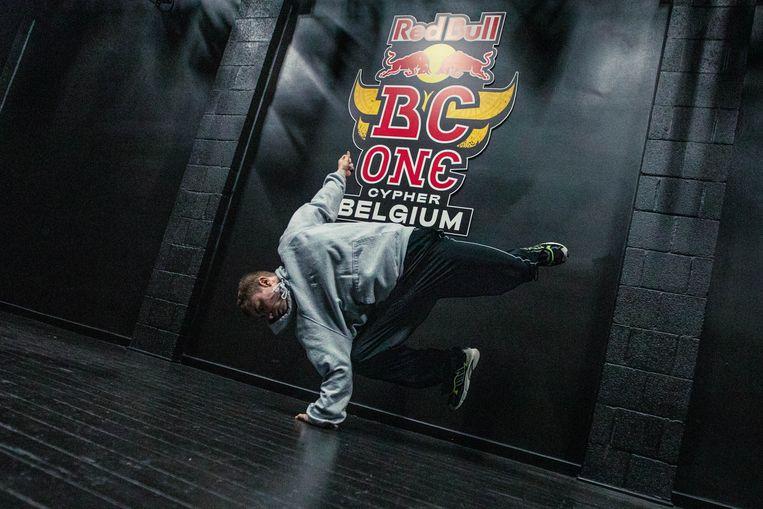 Emilio is één van de vier Gentse breakdancers die mag deelnemen aan het BK.