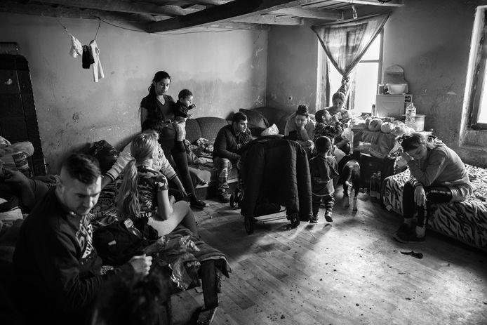 Am viață - I have life, is werk van Zilveren Camera-winnares Sandra Minten. In het Amersfoortse Rietveld Paviljoen laat ze het leven van drie generaties Roma zien.