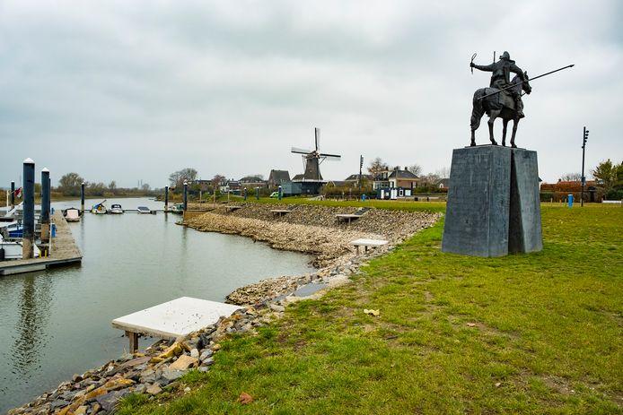 De aanblik van Veessen, vanaf de IJssel.