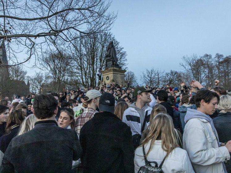Als je dacht dat het in Leuven of Gent erg was: Amsterdamse Vondelpark lijkt wel festival
