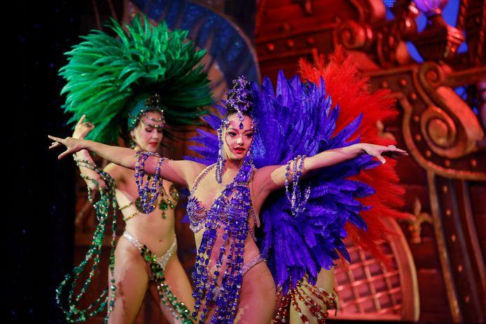 Inge à la soirée de réouverture du Moulin Rouge  à Paris.