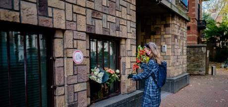 Franse ambassade en politici herdenken onthoofde leraar Parijs