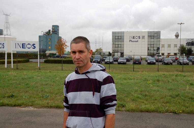 Chris De Wachter bij Ineos Phenol, in 2009, nadat hij een rechtszaak tegen het bedrijf had gewonnen.