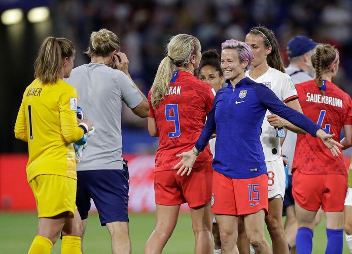 Megan Rapinoe is na het treffen met Engeland blij met keeper Alyssa Naeher, die in de slotfase een strafschop stopte.