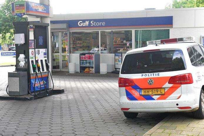 Overval op het tankstation aan de Houtwijklaan in Den Haag vrijdagavond.