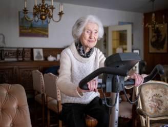 """Oudste vrouw van Mechelen Tinneke viert 106de verjaardag in haar appartement: """"Door corona al jaar niet buiten geweest"""""""