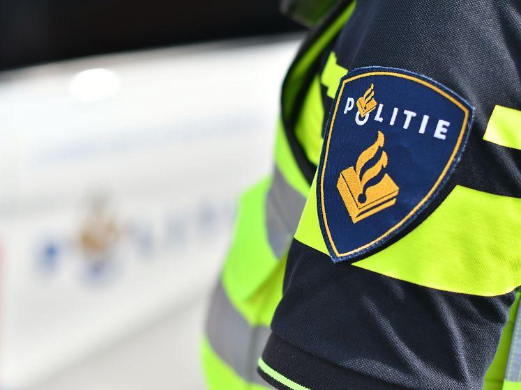 Man (18) opgepakt voor handelen in drugs vanuit auto in Oudenbosch