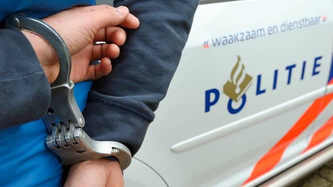 Stank verraadt drugslab in Alkmaars bedrijfspand, twee arrestaties