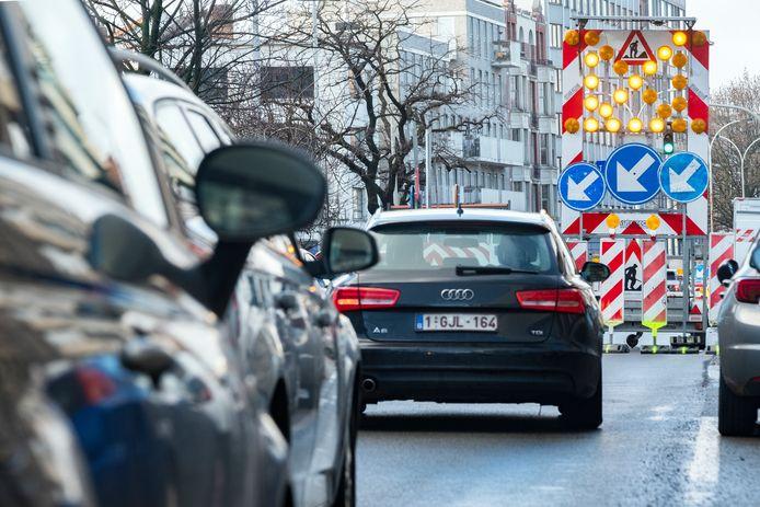 De automobilisten kunnen er maar beter aan wennen: de komende maanden is er veel hinder op de Plantin en Moretuslei.
