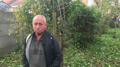 Na jarenlange burenruzie: 'bomenknuffelaar' moet ouderlijke woning verkopen om dwangsom van 800.000 euro te kunnen betalen