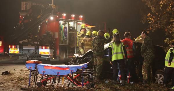 Vrouw ernstig gewond bij eenzijdig ongeval met auto op A30 bij Lunteren.