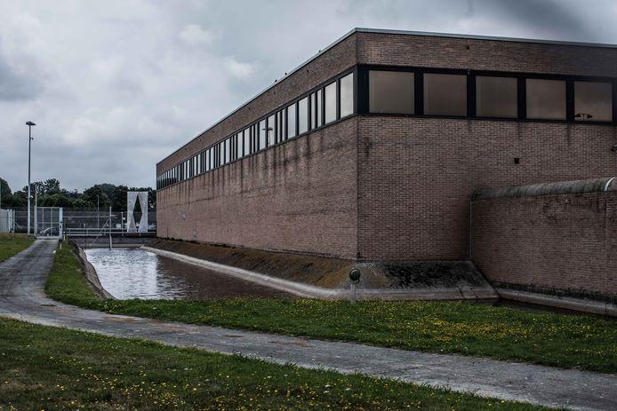 De man werd in de Brugse gevangenis betrapt met drugs in z'n cel.