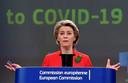 Commissievoorzitter Ursula von der Leyen op een persconferentie over corona.